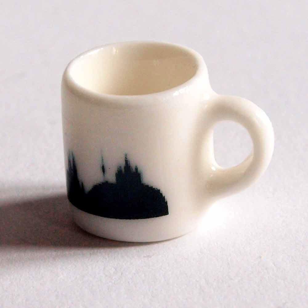 Compra miniaturas modernas mug barcelona para casas de mu ecas for Mug barcelona